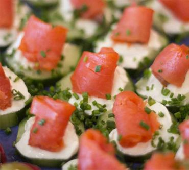 Smoked Salmon-Cucumber Rounds