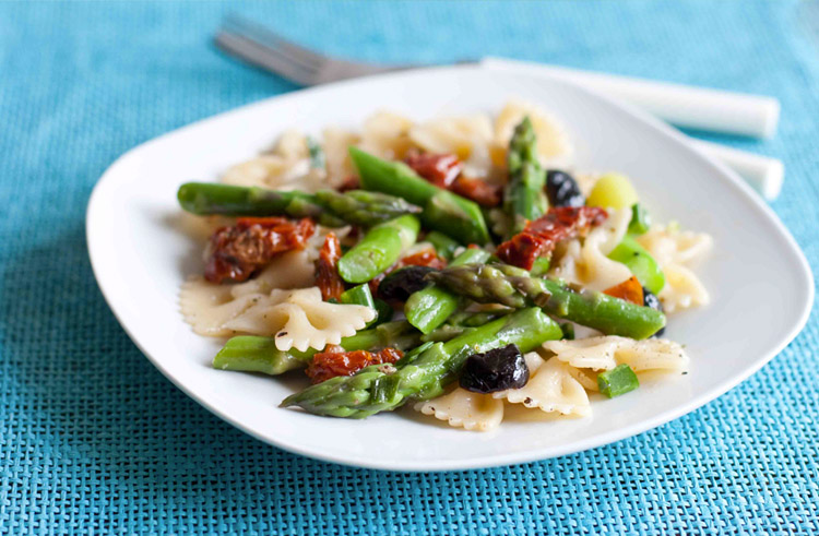 Asparagus, Olive and Sun Dried Tomato Bowties