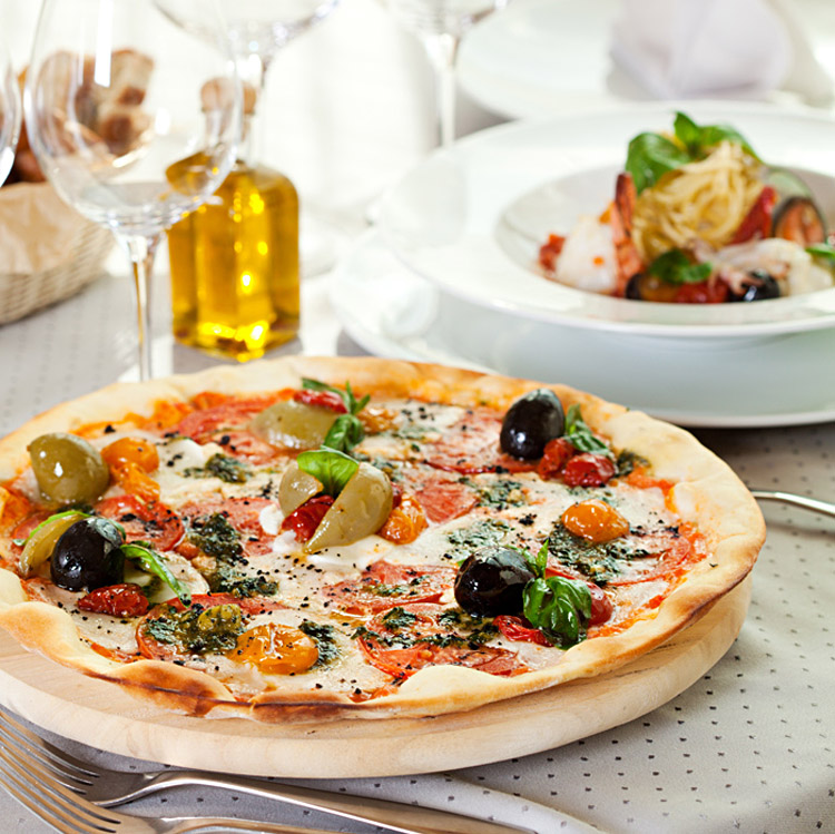 Olive Pizza with California Sun Dried Tomato Pizza Sauce